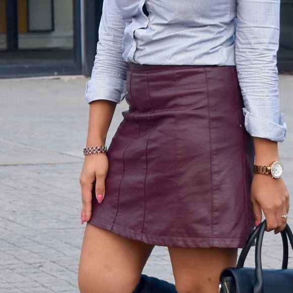 744ac403b6 Charlotte Russe Burgundy Faux Leather Skirt. M_5a846fdc9d20f0a328882f85
